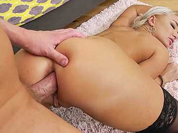 MILF London River Deep Throat, Gaping Anal