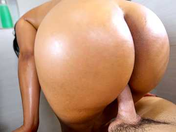 Well-rounded bimbo Rose Monroe masturbates and gets banged in the shower room