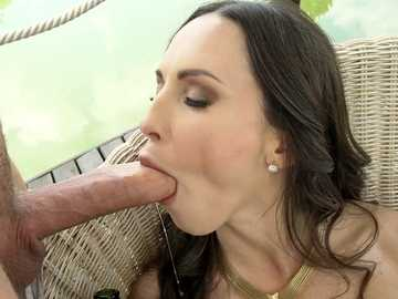 Graceful lady Lilu Moon loves foot fetish, champagne, and deepthroat blowjobs
